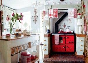 Закрытая летняя кухня из поликарбоната и кирпича
