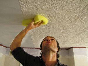 Як обклеїти стіни шпалерами