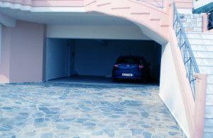 Особенности встроенного гаражного помещения