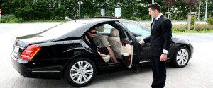 оренда легкового автомобіля з водієм