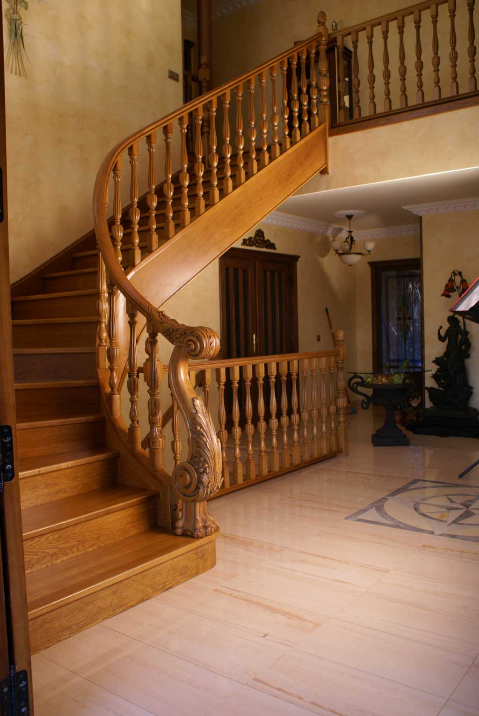 Escalier limon central lapeyre escalier limon central for Escalier bois exterieur lapeyre