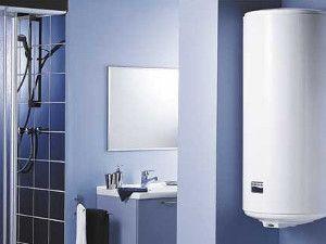 электрический водонагреватель или газовая колонка