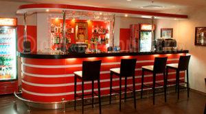 барные столы для кафе