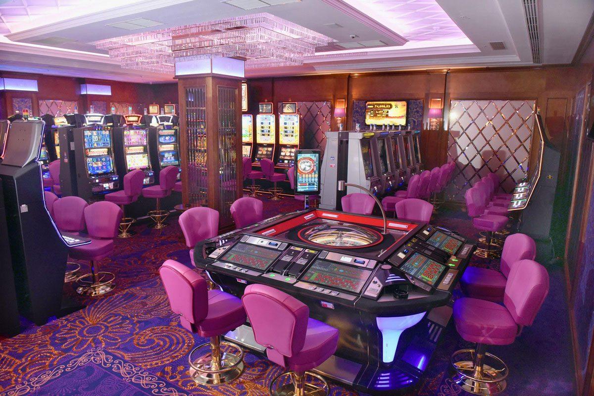Фото игровых залов казино игровые аппараты в продажу